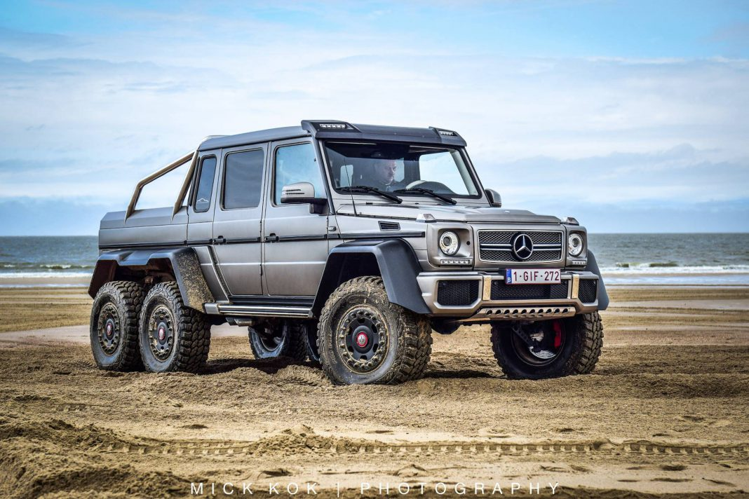 Mercedes benz g63 6x6 leads border run 2015 in the for Mercedes benz g63 6x6 for sale