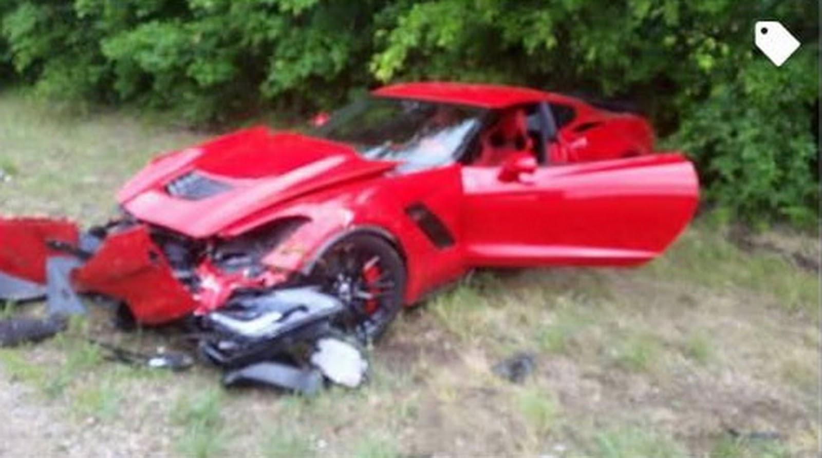 Video: Red Corvette Z06 Crashes During Acceleration Run - GTspirit