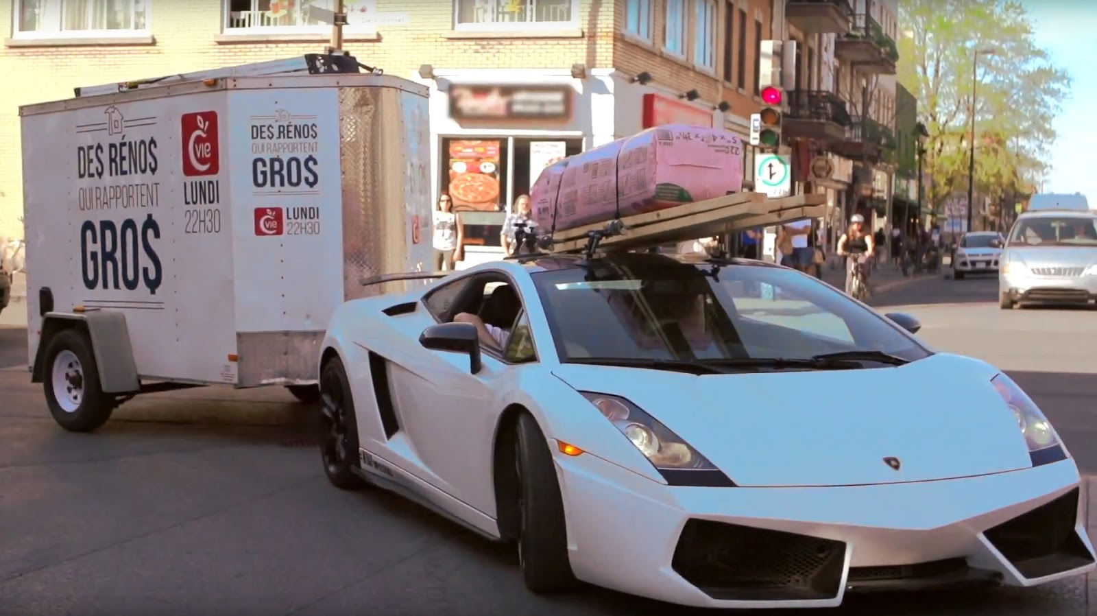 Lamborghini Gallardo Shows Off Practicality as Work Hauler!