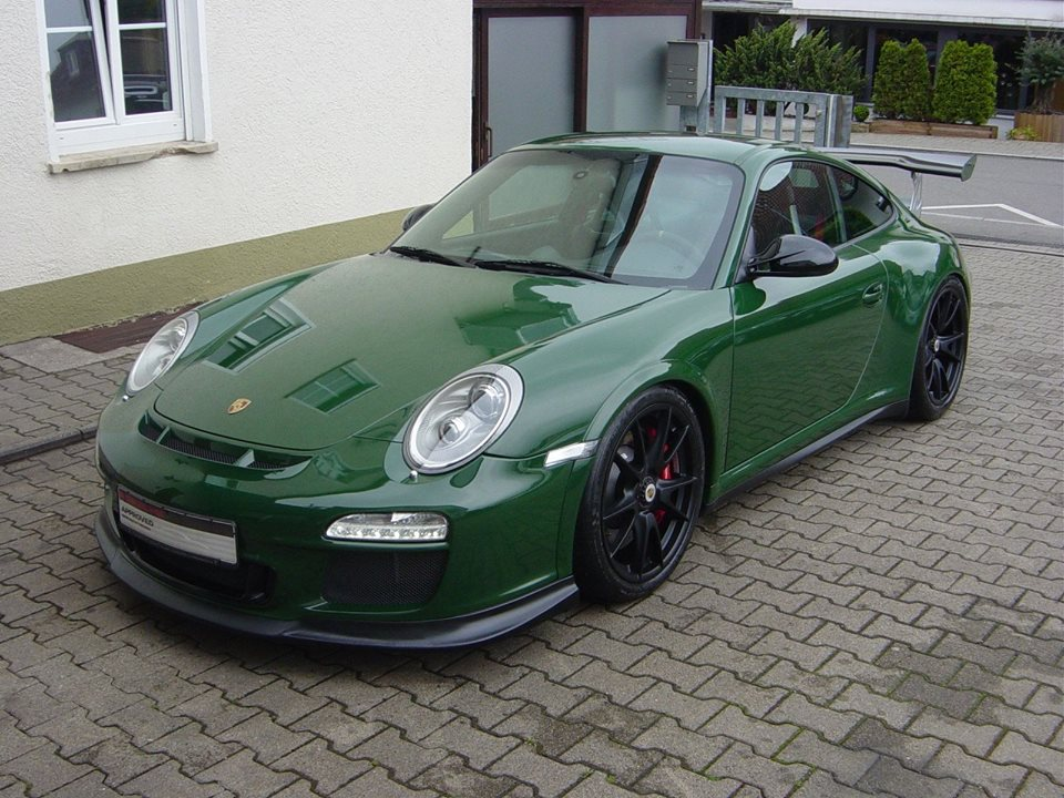 Unique British Racing Green Porsche 911 GT3 RS For Sale - GTspirit