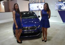 Peugeot Girls at the Barcelona Auto Show 2015