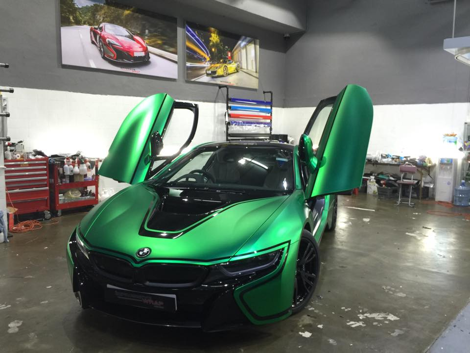 Bmw I8 Wrapped In Matte Green Chrome Gtspirit