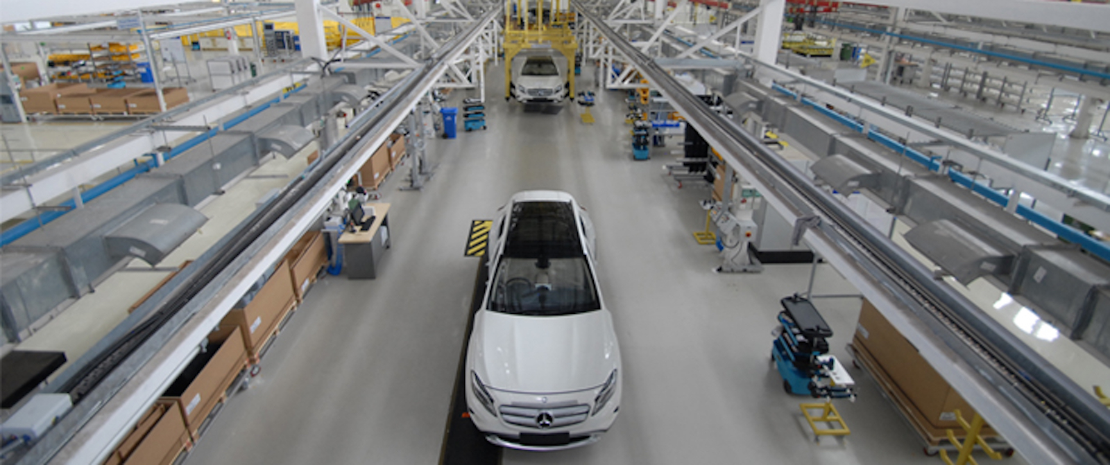 Mercedes benz india begins local production of the gla for Mercedes benz corp