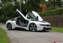 BMW i8 side view doors up