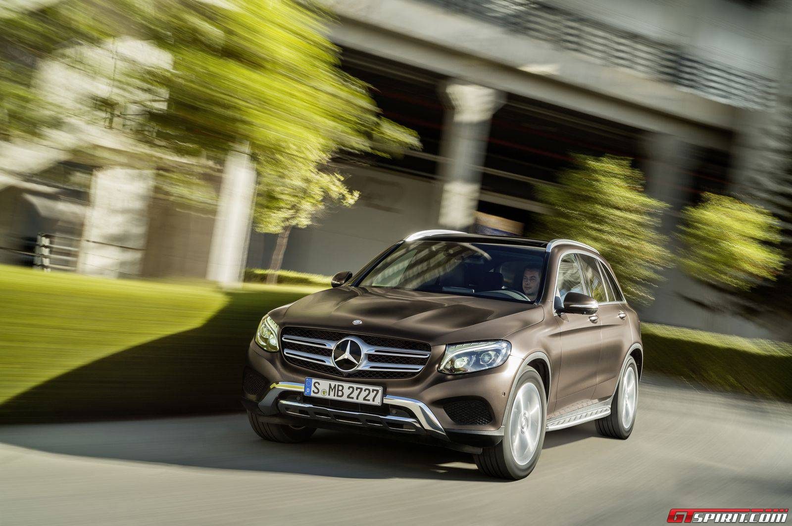 Mercedes benz glc450 amg and glc63 amg on the cards gtspirit for Mercedes benz card