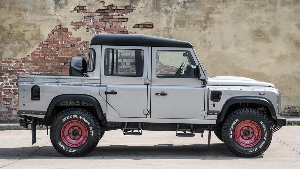 Kahn Design Creates Another Land Rover Defender Pickup - GTspirit