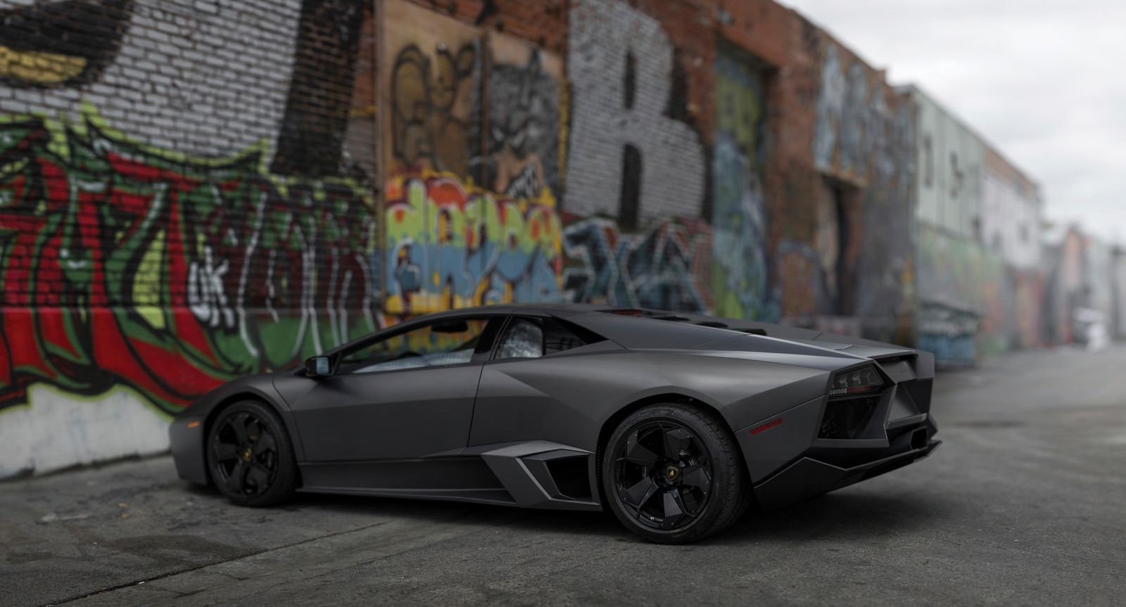 lamborghini reventon auction side - Lamborghini Reventon