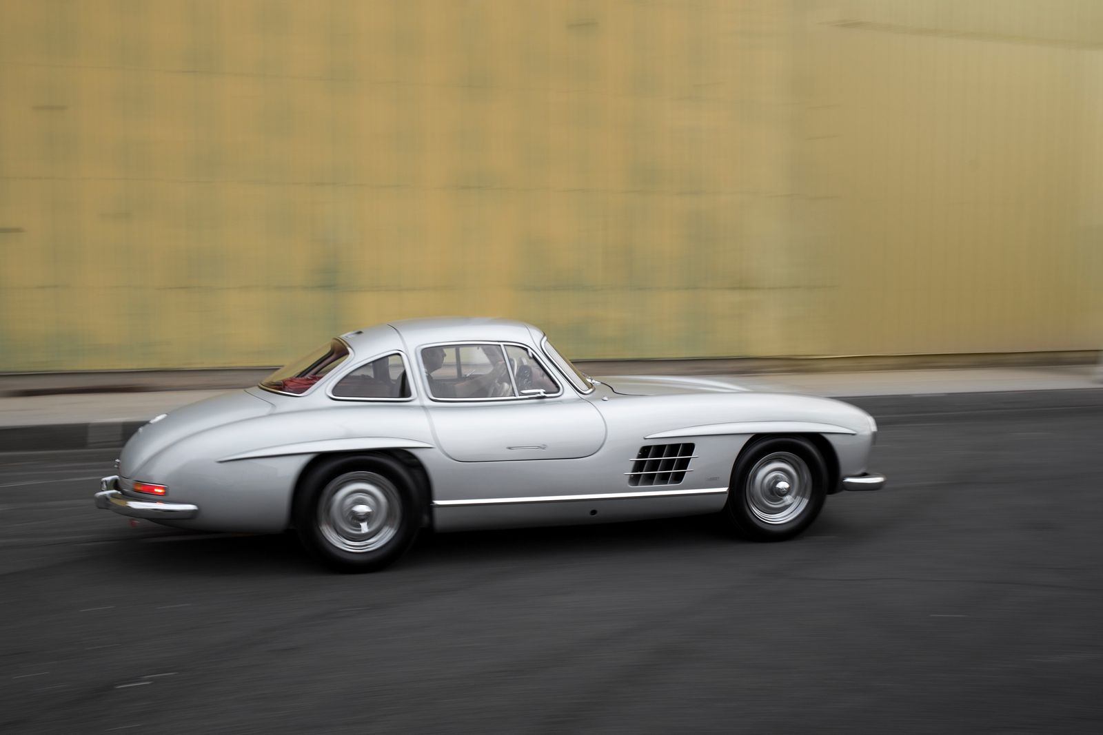 Mercedes Benz 300sl Alloy Gullwing Could Sell For 6 5