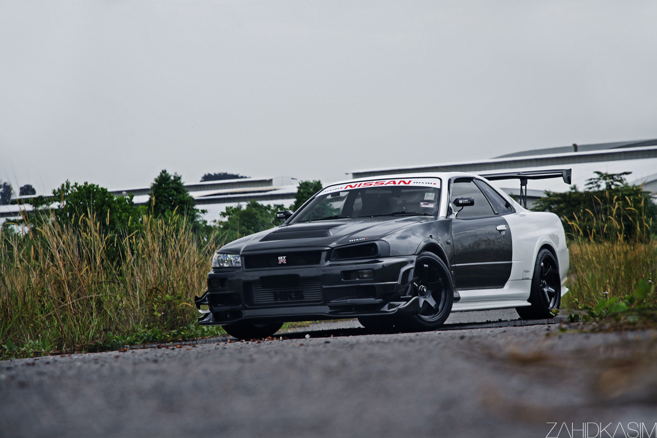 photo of the day villain nissan skyline r34 gtr v spec ii nur gtspirit. Black Bedroom Furniture Sets. Home Design Ideas