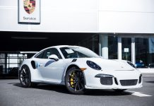 Vancouver's First 2016 Porsche 911 GT3 RS Gets Unwrapped