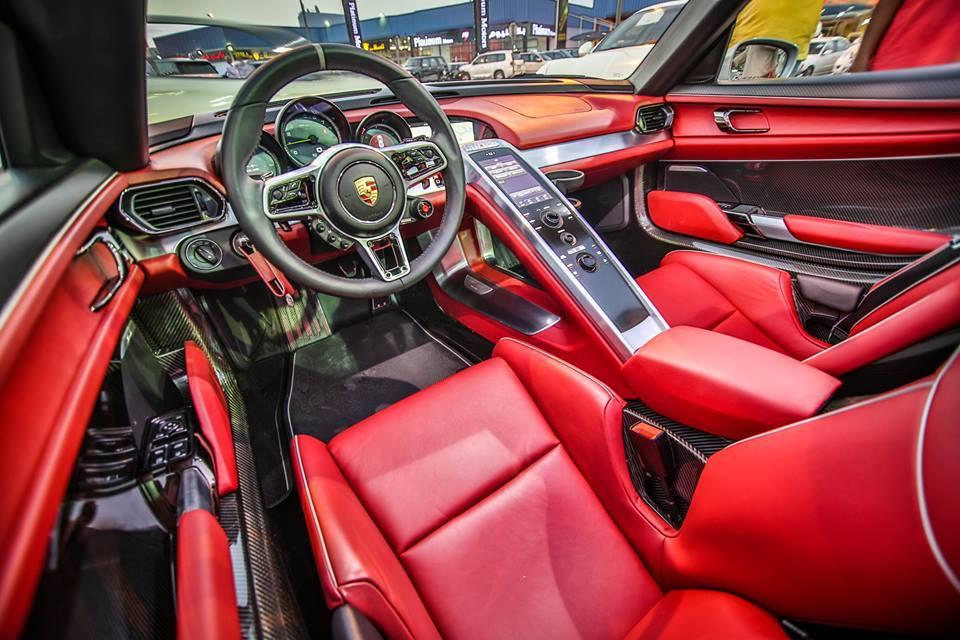 Porsche 918 Spyder For Sale In Dubai Interior