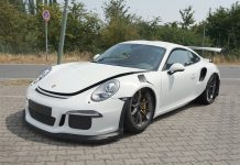 2016 Porsche 911 GT3 RS crash