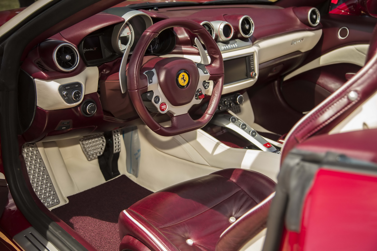 Monterey 2015: Ferrari California T Tailor Made - GTspirit
