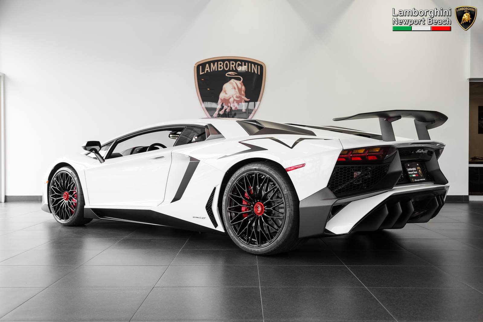 gallery bianco isis lamborghini aventador sv gtspirit. Black Bedroom Furniture Sets. Home Design Ideas