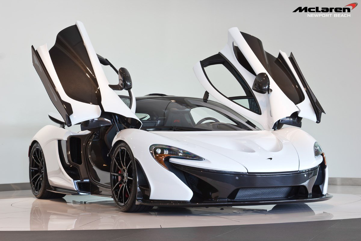 for sale alaskan diamond white mclaren p1 with 920 miles gtspirit. Black Bedroom Furniture Sets. Home Design Ideas