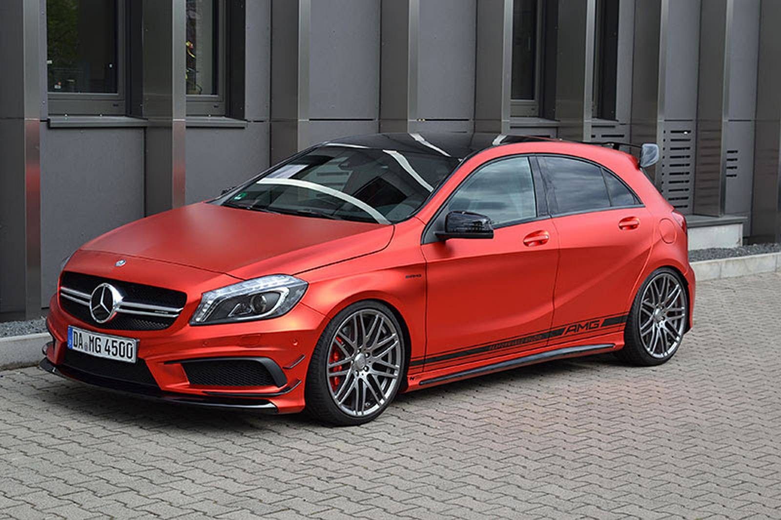mercedes benz a45 amg by folien experte gtspirit. Black Bedroom Furniture Sets. Home Design Ideas