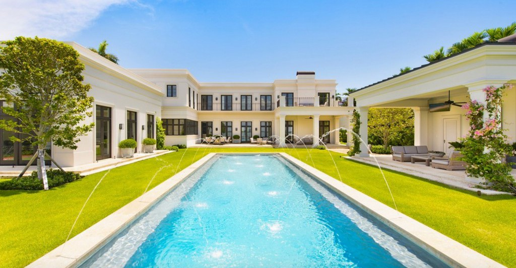 Amazing 31 million miami mansion for sale gtspirit for Mansions for sale us