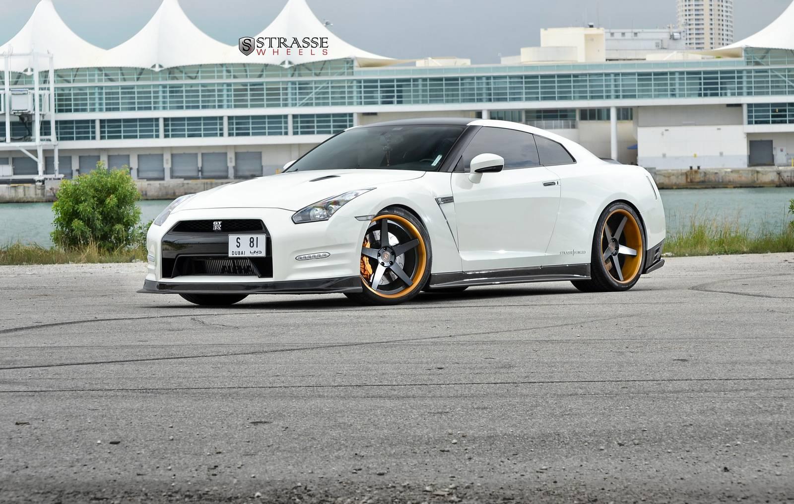 Ams Alpha 9 Nissan Gt R With Deep Concave Strasse Wheels Gtspirit Rims