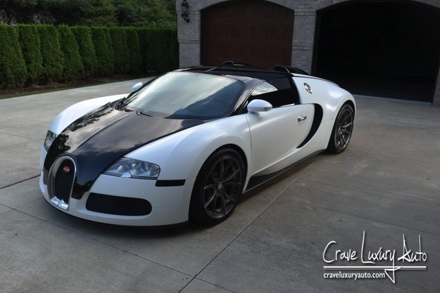 Eye-Catching Black and White Bugatti Veyron For Sale in ...