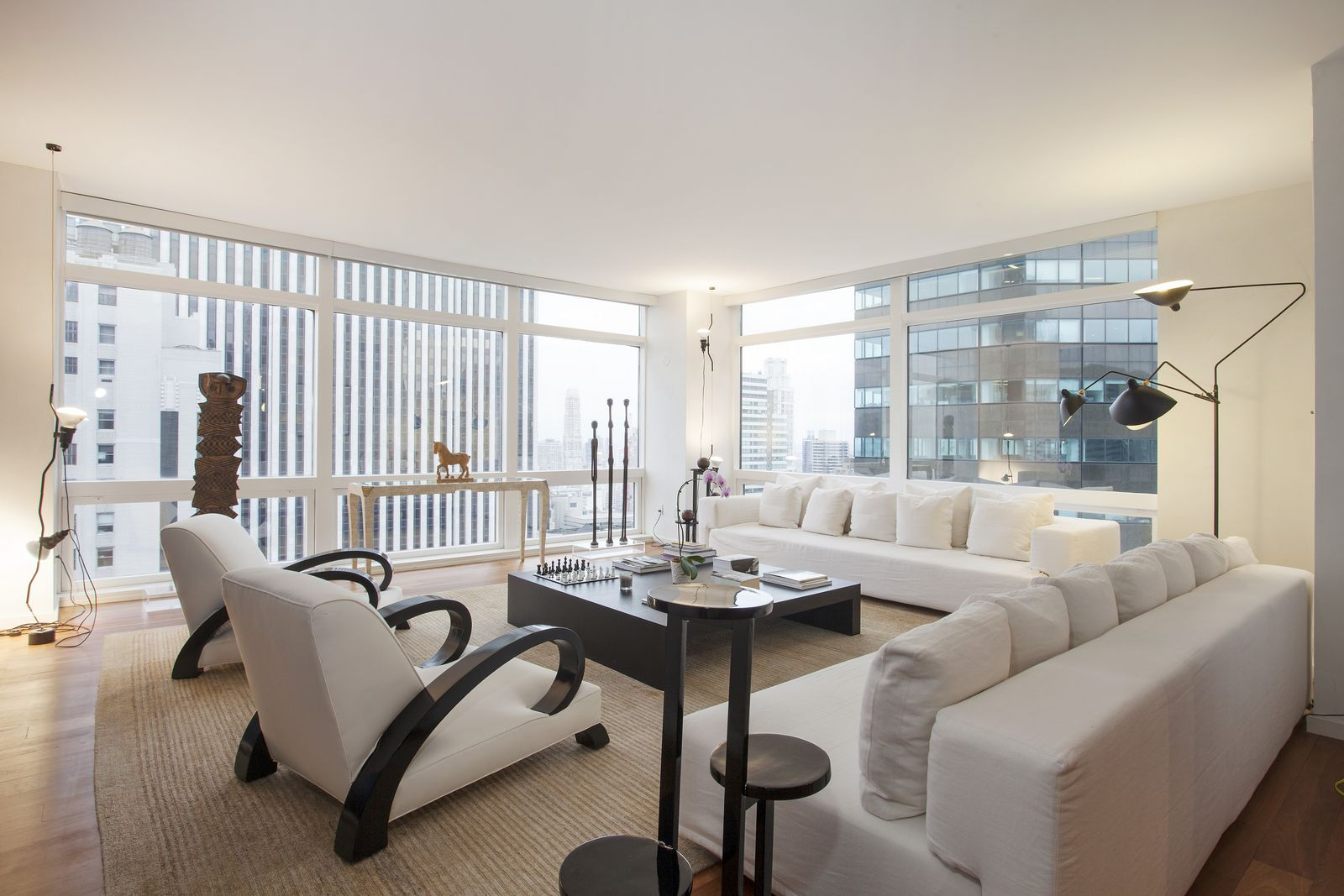 Stunning 10 million new york city apartment for sale for Luxury new york city apartments