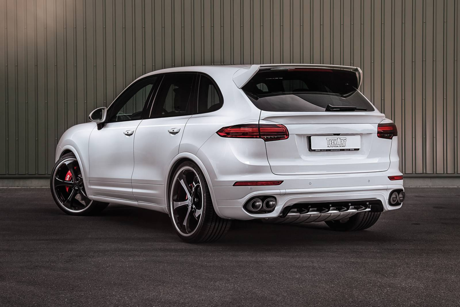 techart upgrades porsche cayenne turbo to 700hp gtspirit. Black Bedroom Furniture Sets. Home Design Ideas