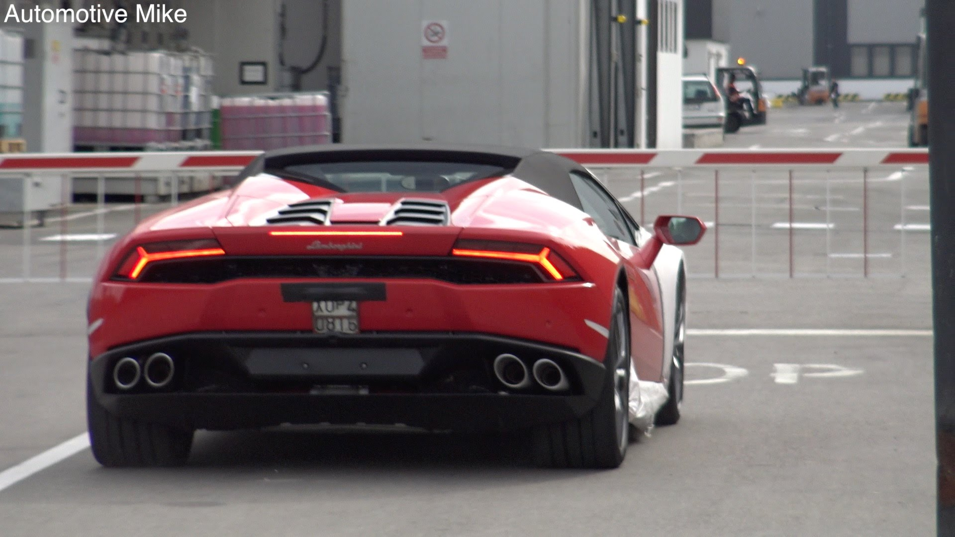 video lamborghini huracan spyder hits italy 39 s streets gtspirit. Black Bedroom Furniture Sets. Home Design Ideas