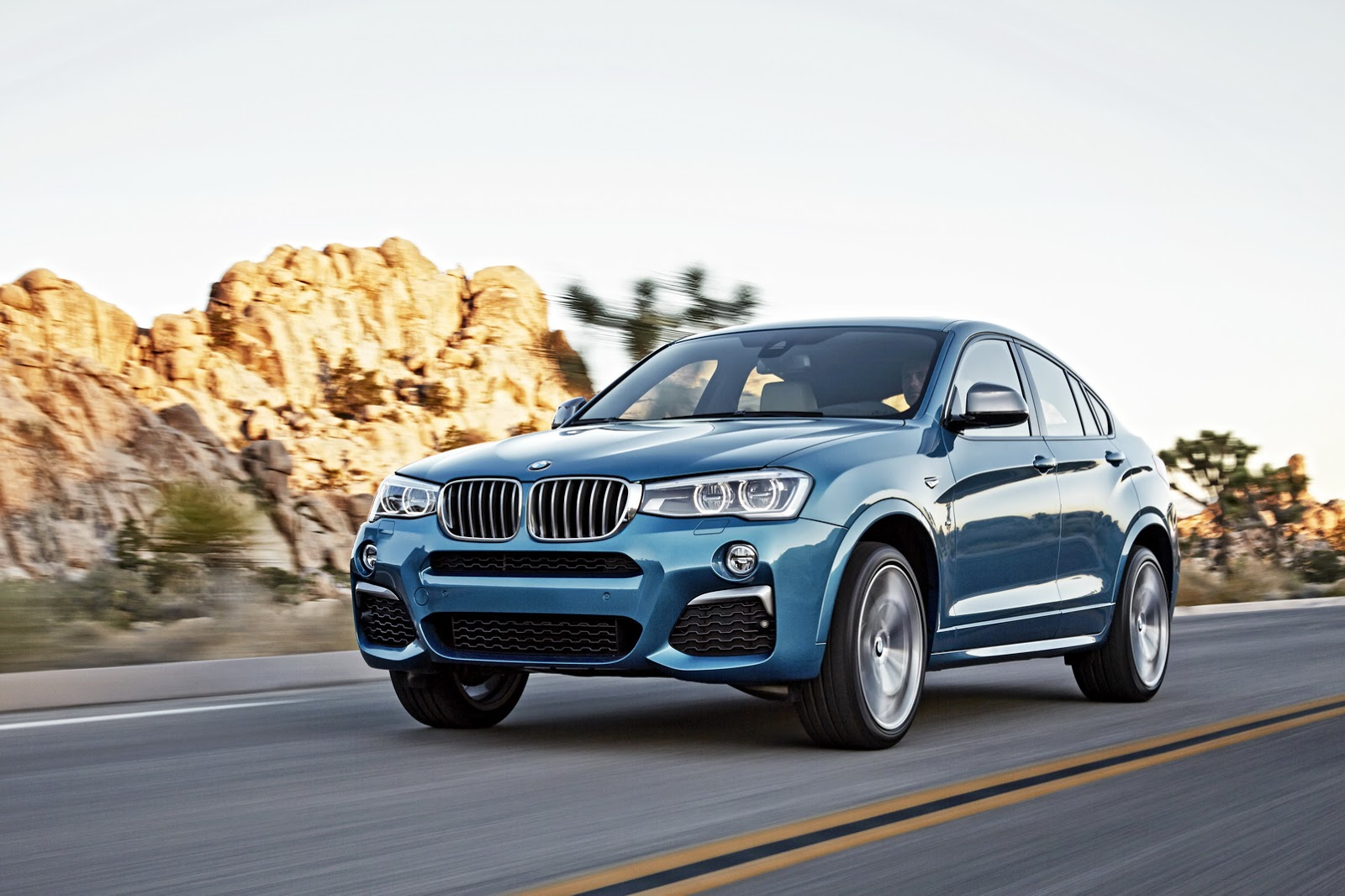 official 2016 bmw x4 m40i gtspirit. Black Bedroom Furniture Sets. Home Design Ideas