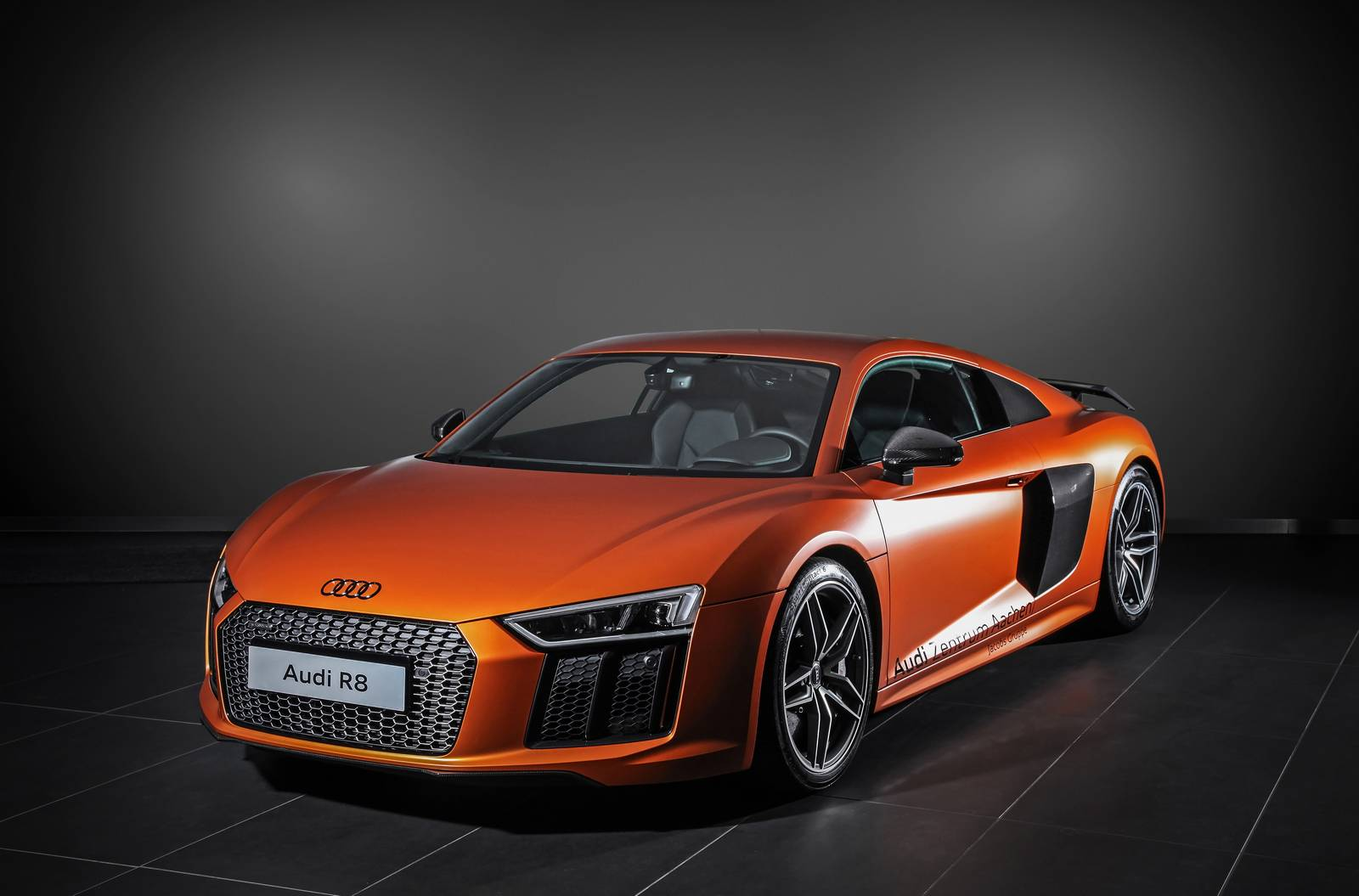 satin canyon copper audi r8 v10 plus by hplusb design gtspirit. Black Bedroom Furniture Sets. Home Design Ideas