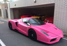 Pink ferrari enzo in japan