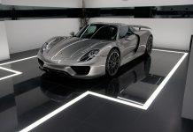 Porsche 918 Spyder front