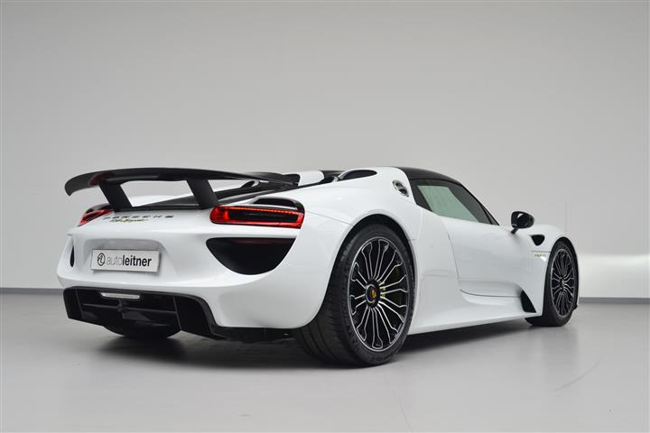 porsche 918 spyder for sale at 1 8 million in the netherlands gtspirit. Black Bedroom Furniture Sets. Home Design Ideas
