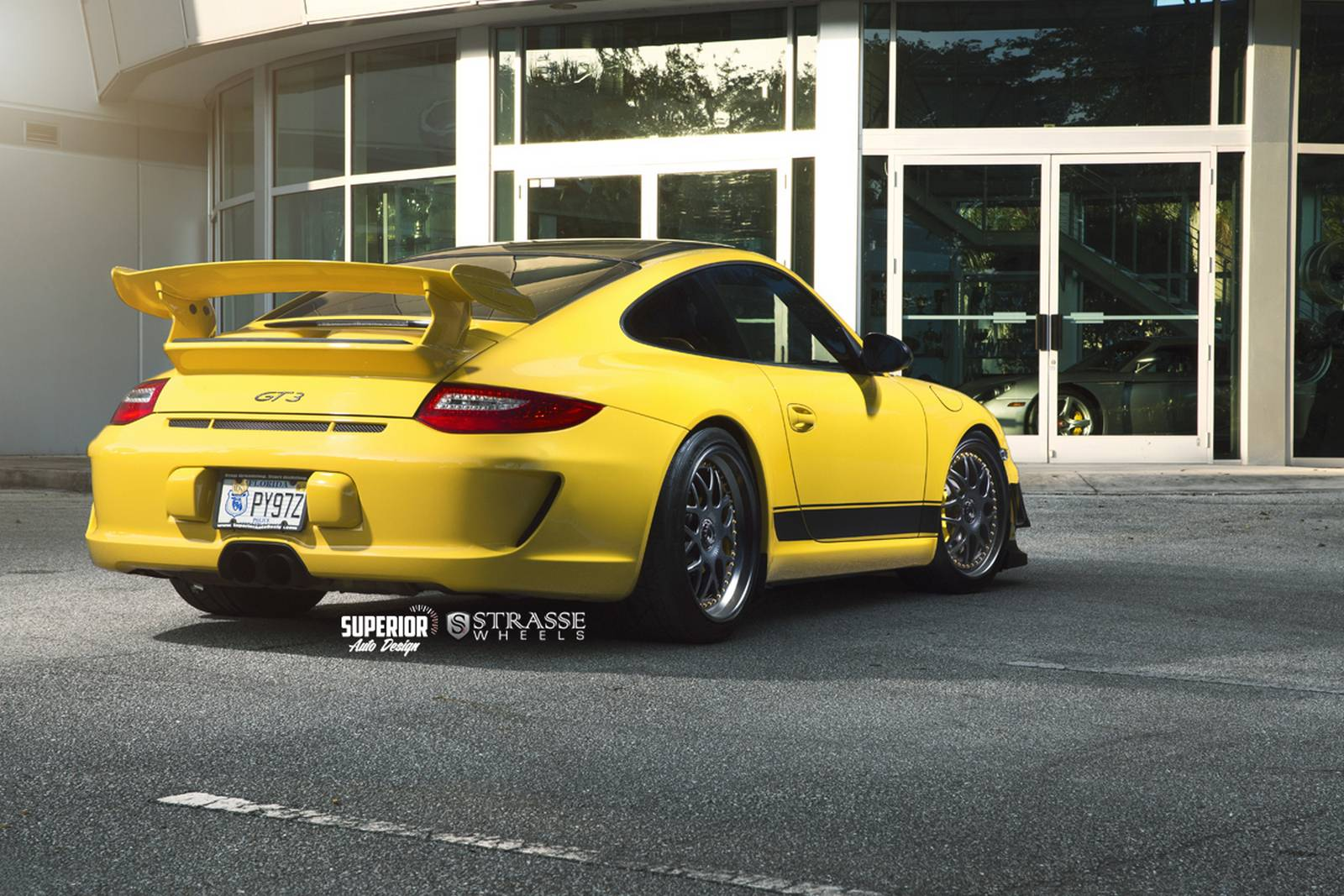 speed yellow porsche 911 gt3 with satin black strasse wheels gtspirit. Black Bedroom Furniture Sets. Home Design Ideas