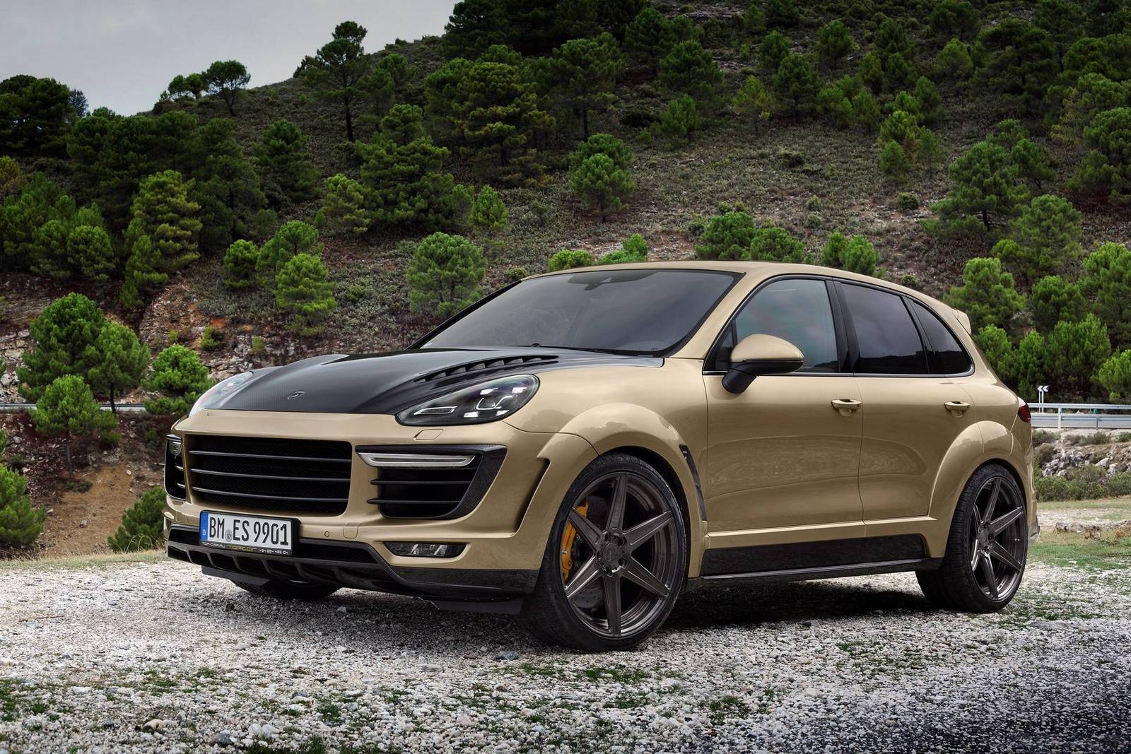 topcar porsche cayenne vantage gold edition gtspirit. Black Bedroom Furniture Sets. Home Design Ideas