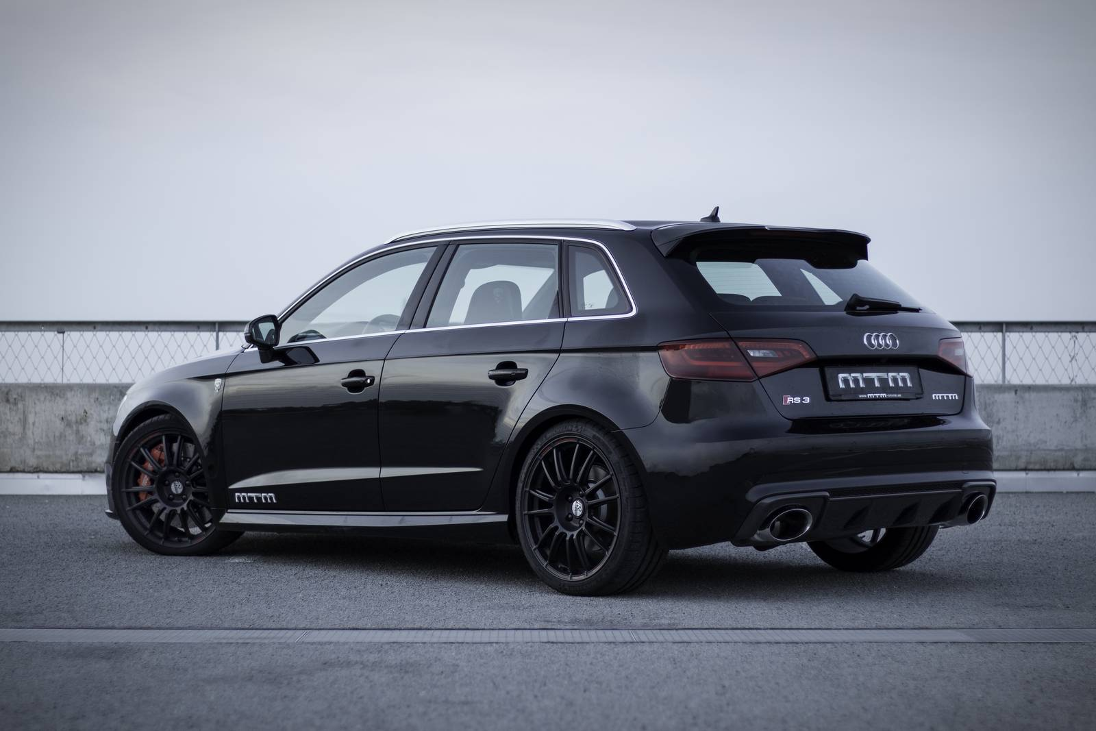 official mtm audi rs3 with 300km h top speed gtspirit. Black Bedroom Furniture Sets. Home Design Ideas