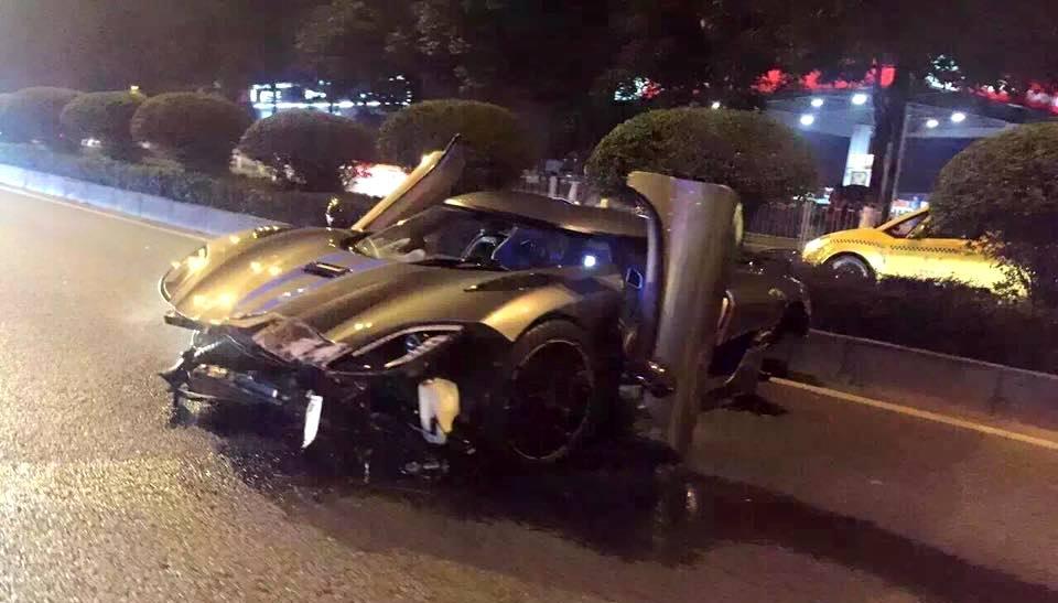 Koenigsegg Agera R Crashes in China - GTspirit