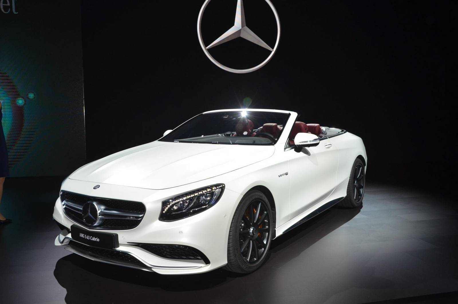 Los angeles 2015 mercedes benz sl gtspirit for Mercedes benz in la