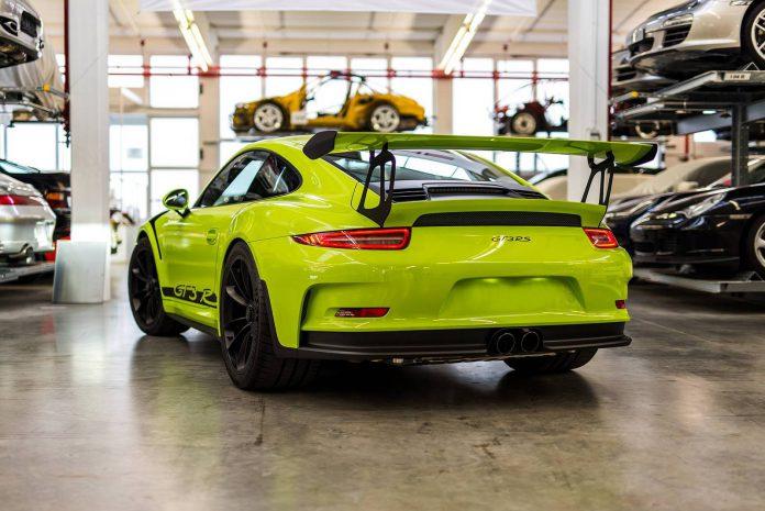 Birch Green Porsche 911 GT3 RS