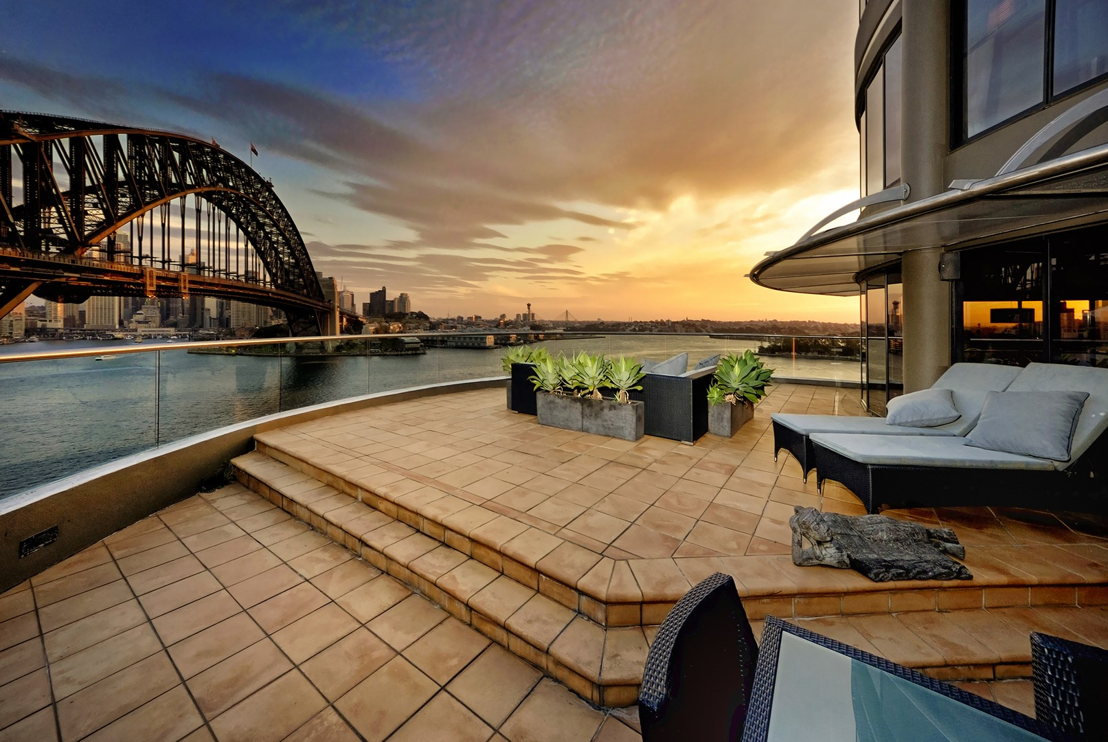 Incredible apartment overlooking sydney harbour for sale 3 bedroom apartments in sydney australia