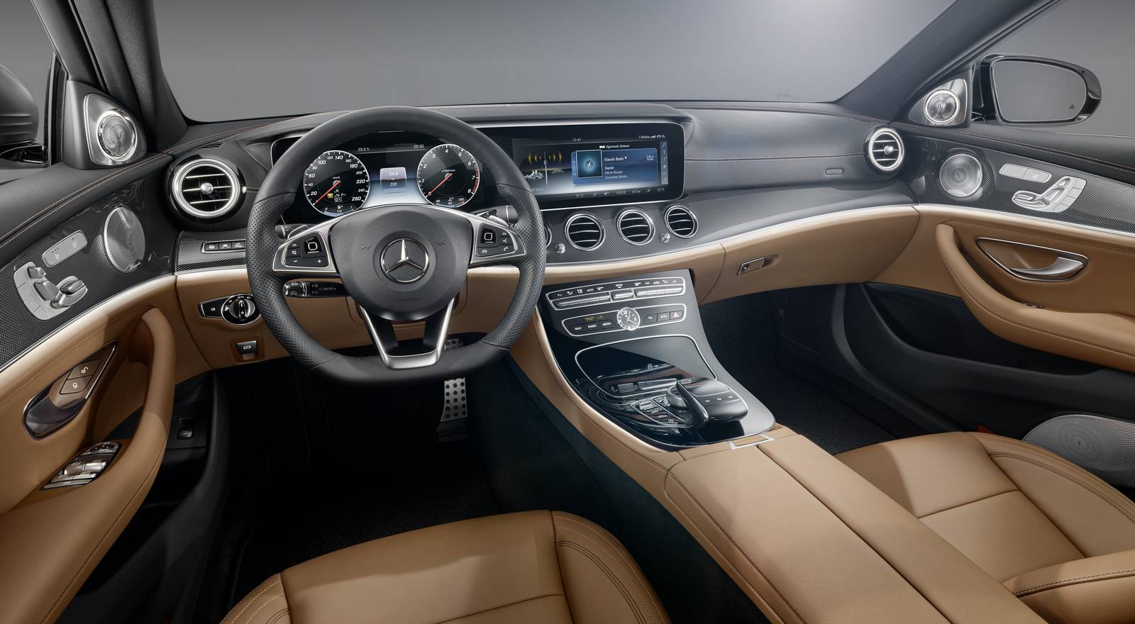 2017 mercedes benz e class design preview gtspirit for Mercedes benz interiors