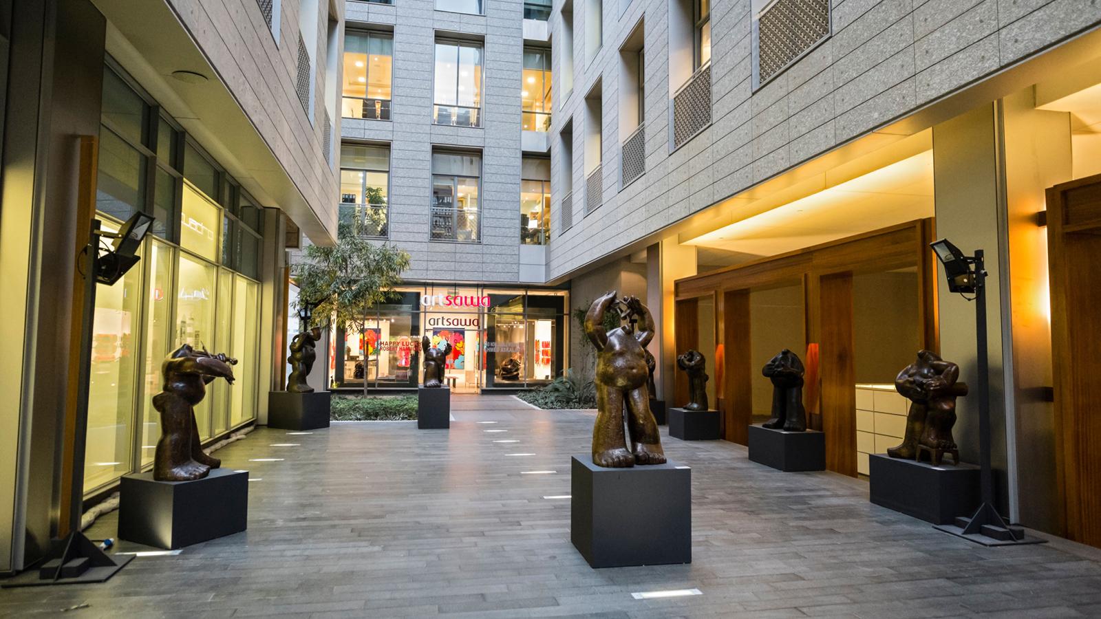 Four seasons hotel dubai international financial centre for Art hotel dubai