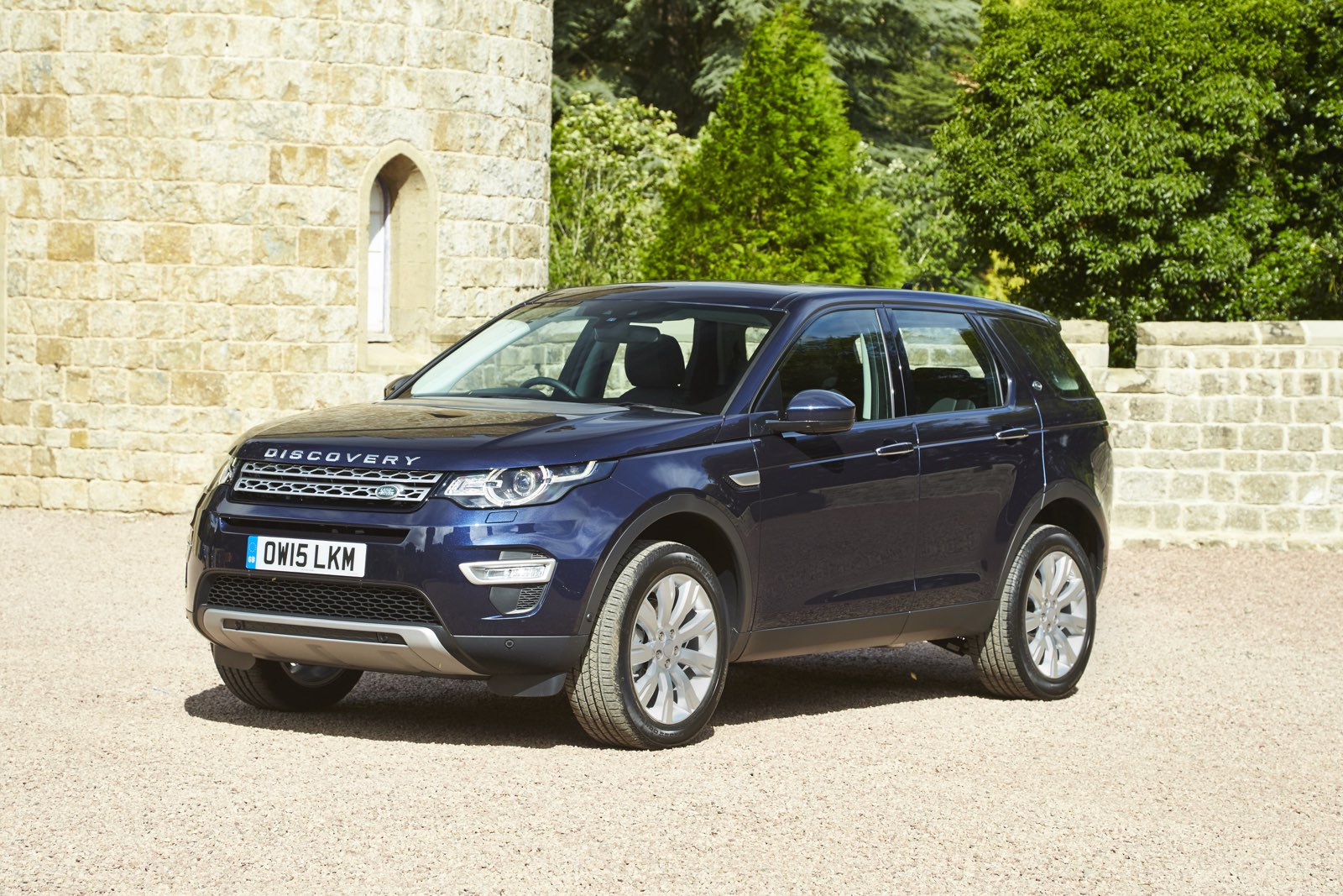 2016 land rover discovery sport review. Black Bedroom Furniture Sets. Home Design Ideas