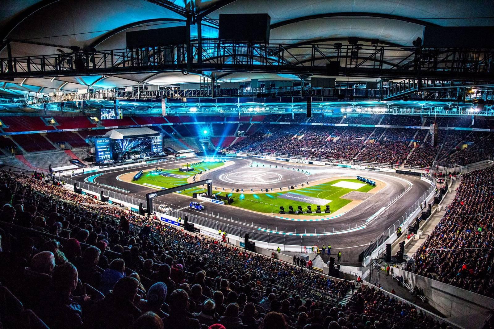 Stars cars 2015 rocks mercedes benz arena in stuttgart for Mercedes benz arena