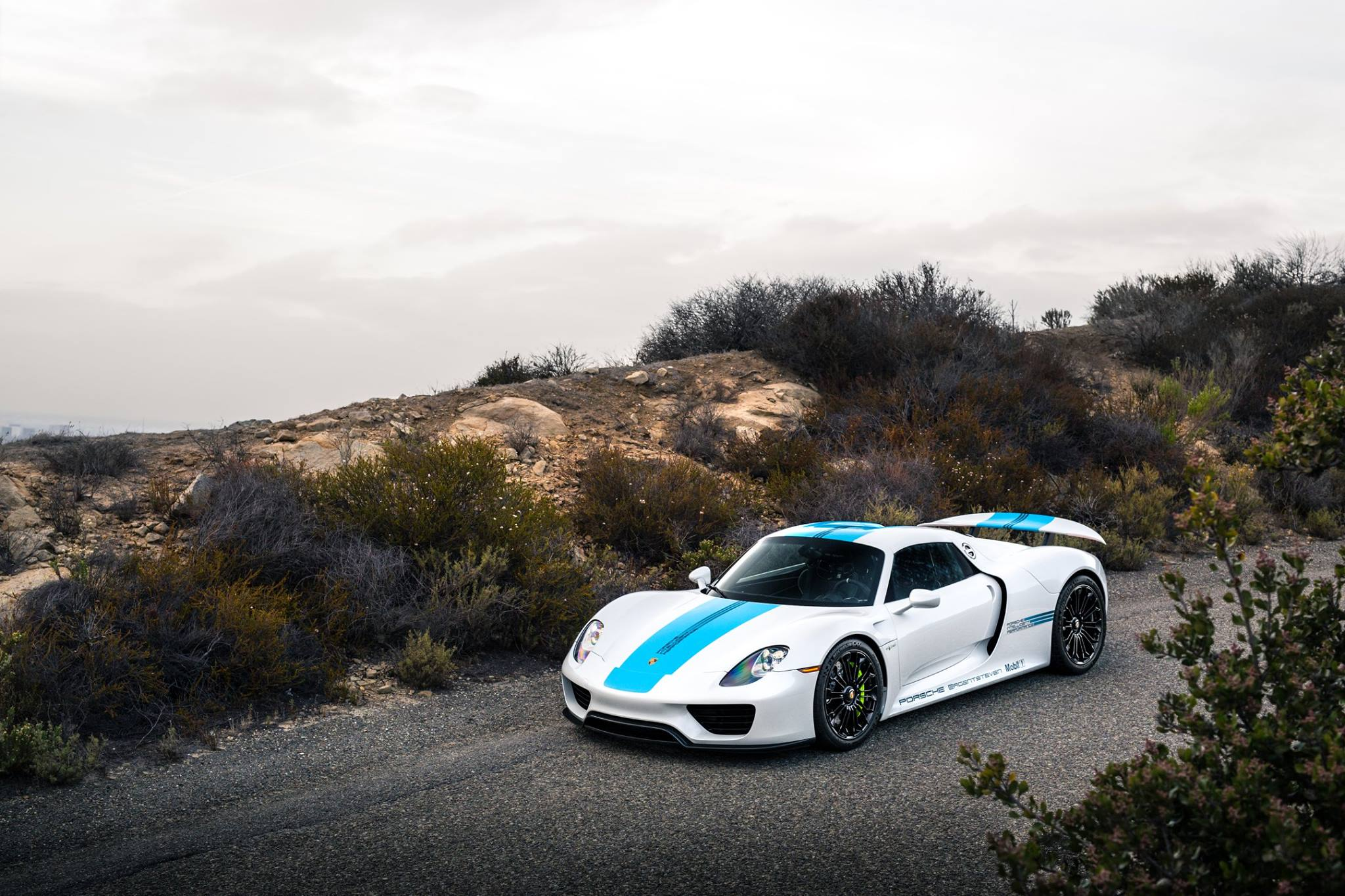 Supercars-2015-1 Amazing Porsche 918 Spyder sold Out Cars Trend