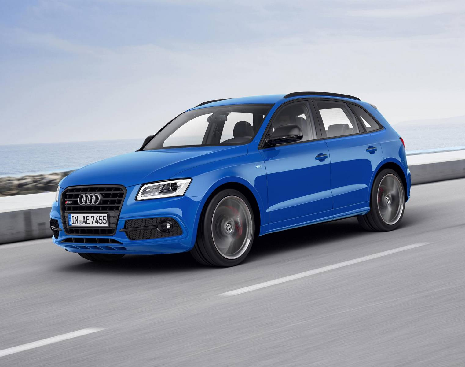 audi sq5 comes in 2017 with 48v and air suspension gtspirit. Black Bedroom Furniture Sets. Home Design Ideas