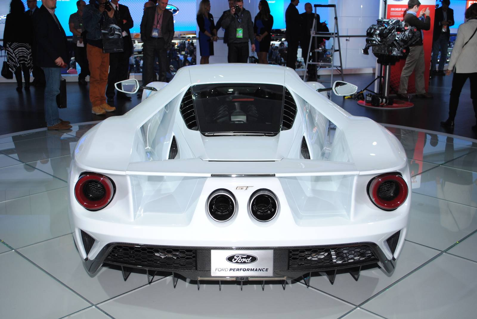 having - Ford Gt 2016 Engine