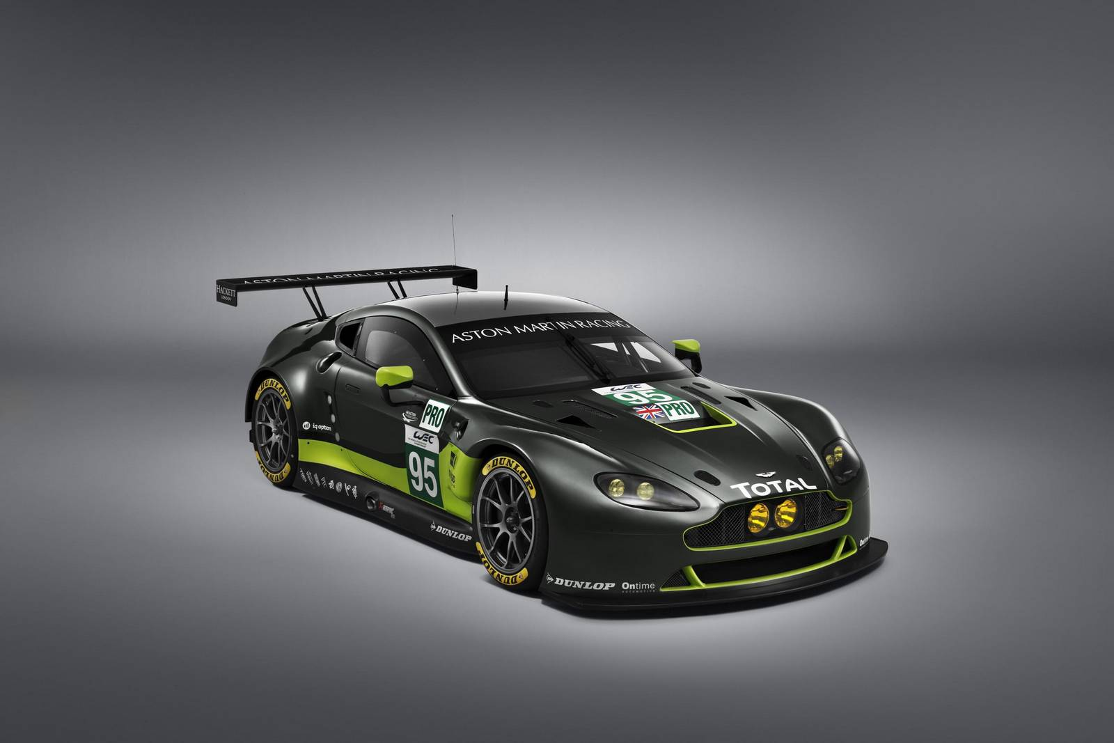 official: 2016 aston martin v8 vantage gte and v12 vantage gt3