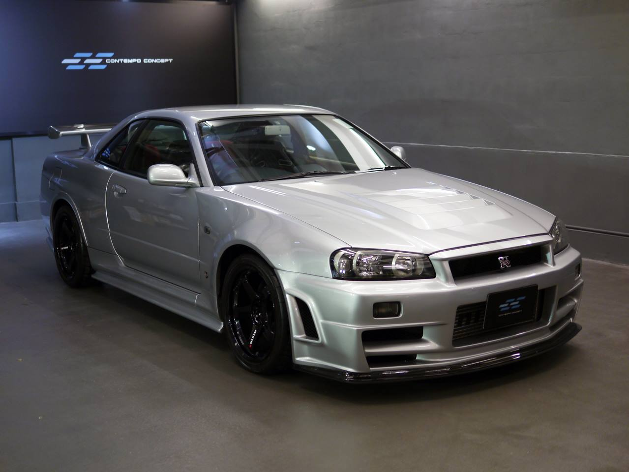rare nissan skyline gt r nismo z tune for sale at 510 000 gtspirit. Black Bedroom Furniture Sets. Home Design Ideas