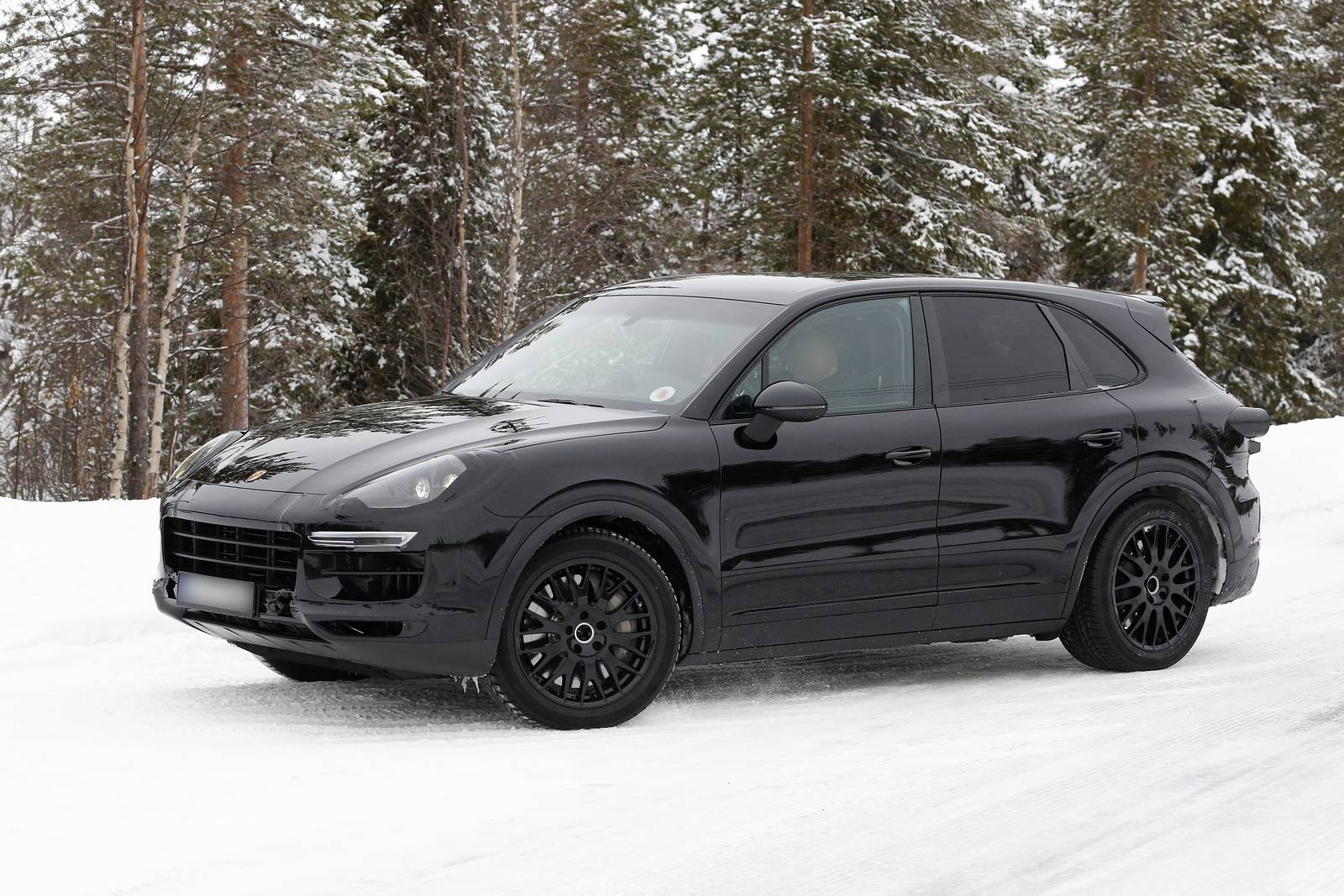 new spy shots of next gen porsche cayenne gtspirit. Black Bedroom Furniture Sets. Home Design Ideas