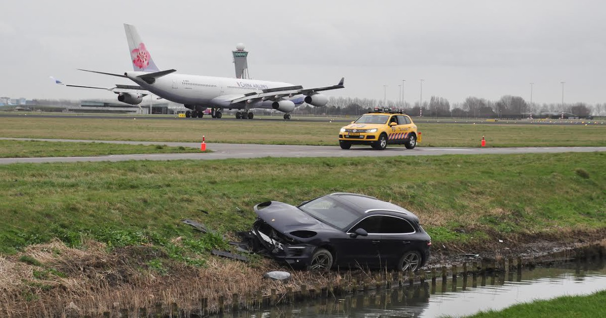 Accident Cars For Sale In Denmark: Porsche Flies Over Ditch And Lands On Runway At Amsterdam
