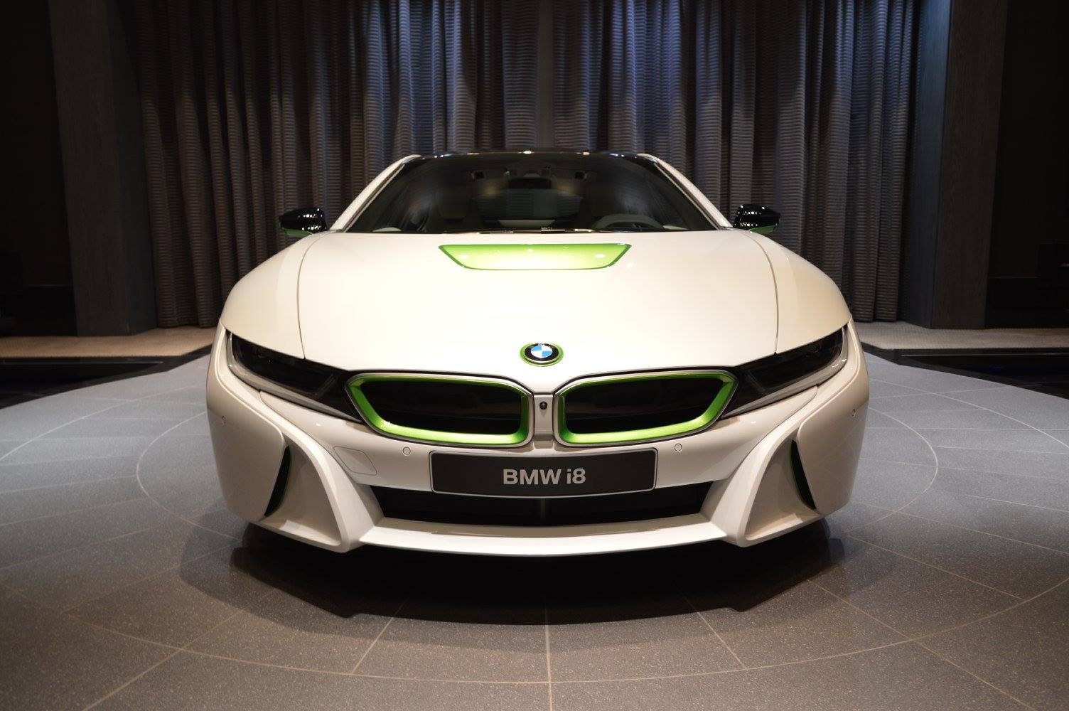 2017 BMW I8 To Have More Power And Longer Range